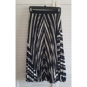 Hm black and white midi skirt